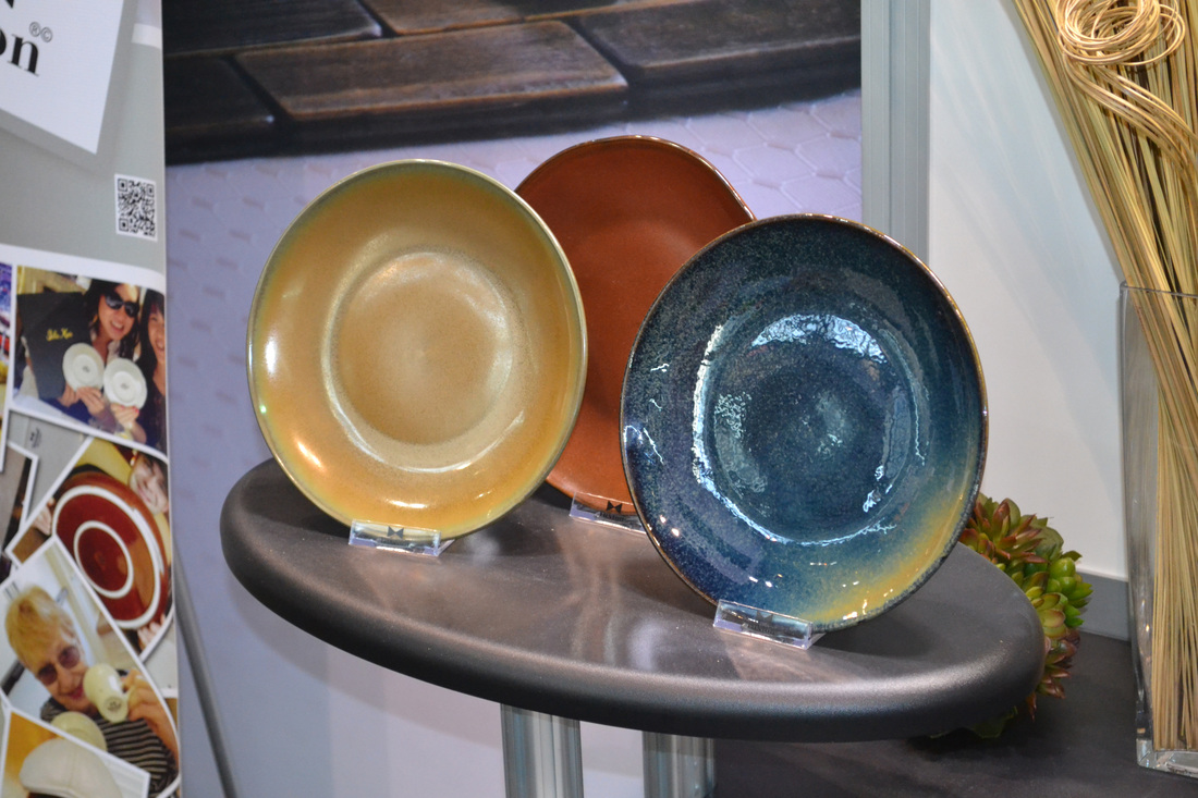 Tuxton Chinau0027s New Colored Glaze Designs Set The Pace at Recent NRA Show : tuxton dinnerware - pezcame.com